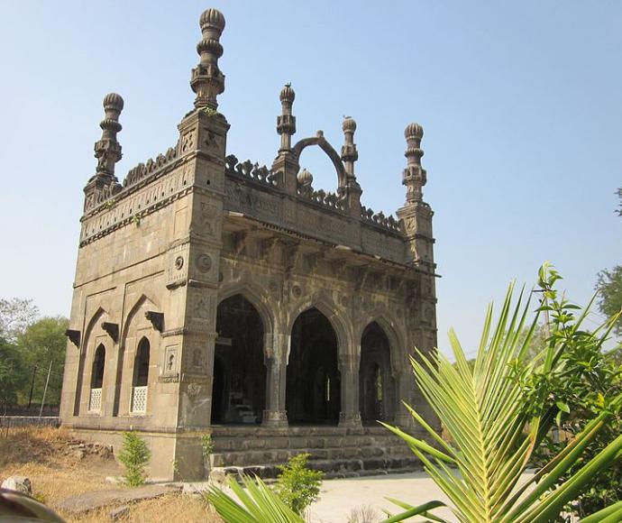 Damadi Masjid